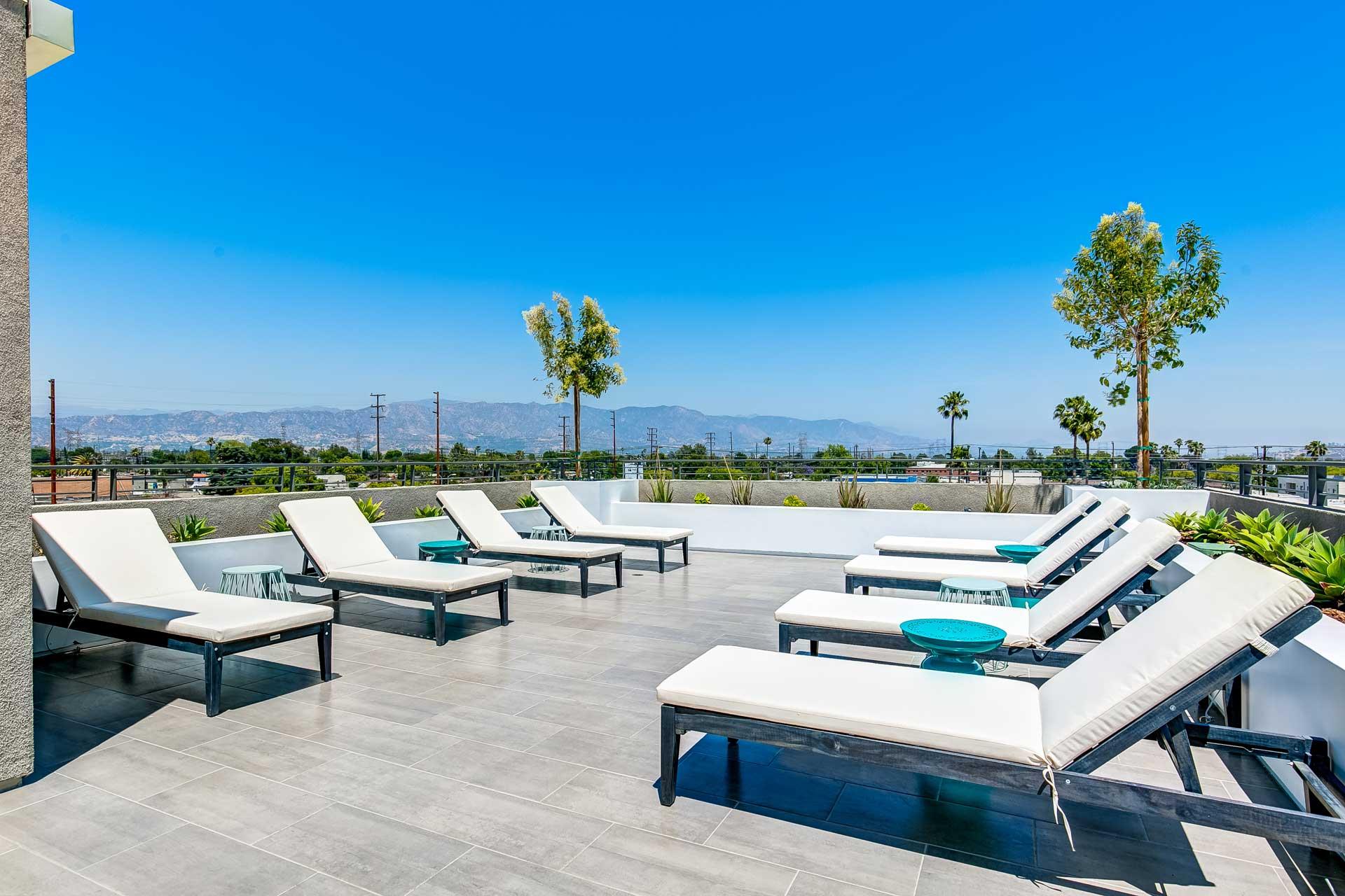 Moderno Apartments North Hollywood